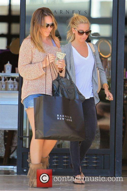 Haylie Duff and Ashley Tisdale 26