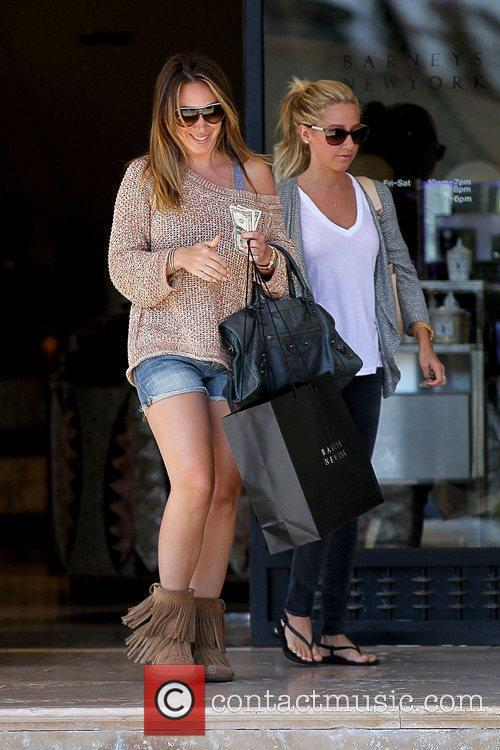 Haylie Duff and Ashley Tisdale 7