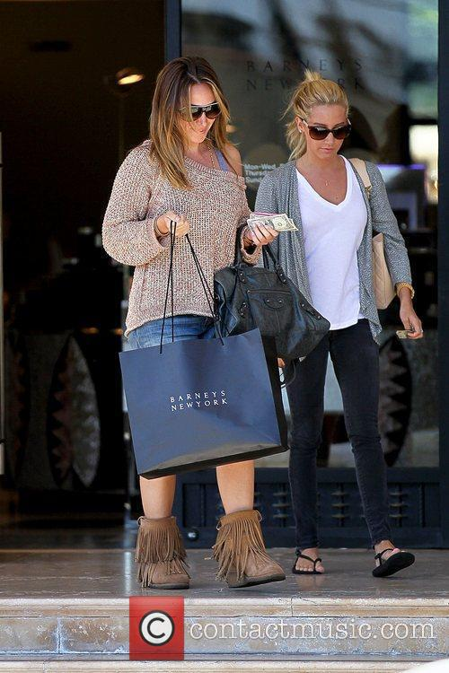 Haylie Duff and Ashley Tisdale 10