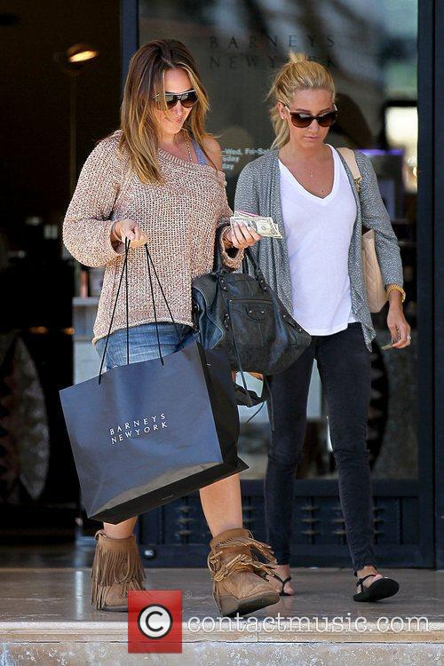 Haylie Duff and Ashley Tisdale 17