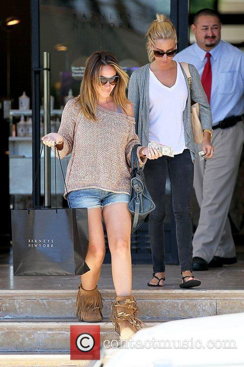 Haylie Duff and Ashley Tisdale 9