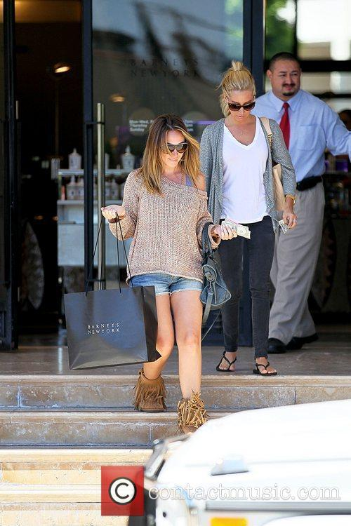 Haylie Duff and Ashley Tisdale 14