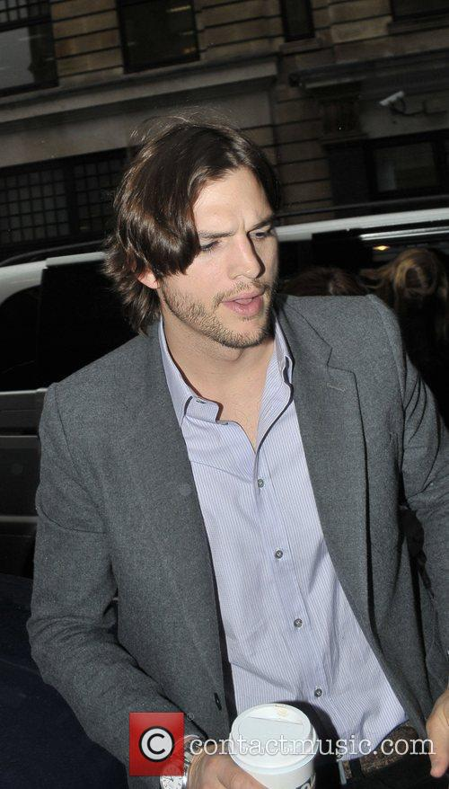 Ashton Kutcher 4