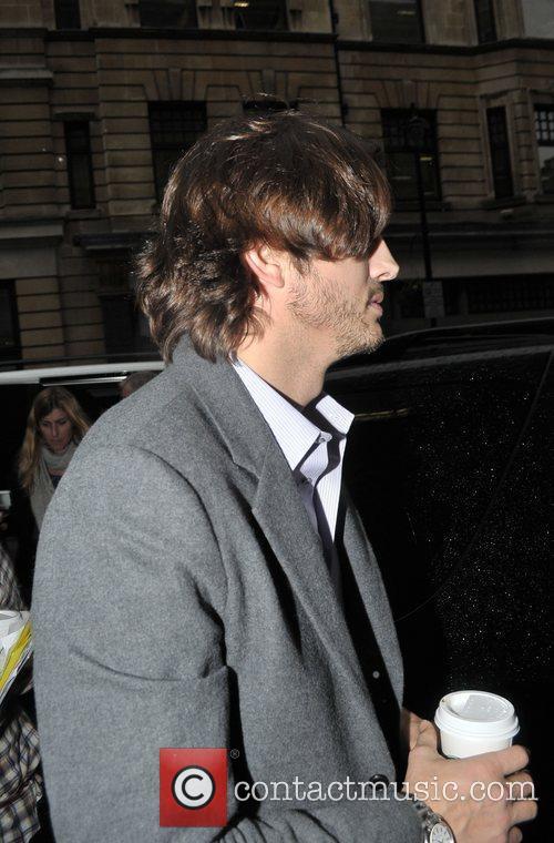 Ashton Kutcher 6