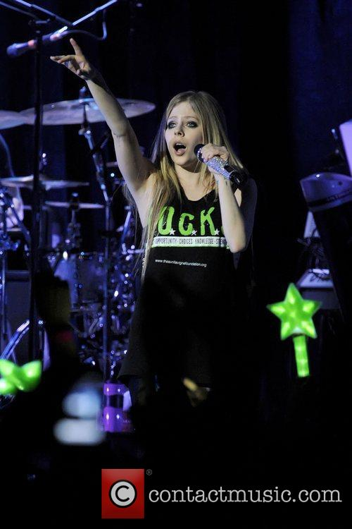 avril lavigne performs on stage at the 3574290