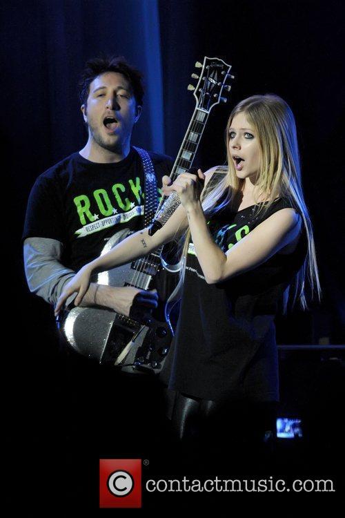Avril Lavigne 32