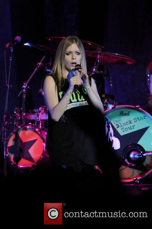 Avril Lavigne 40