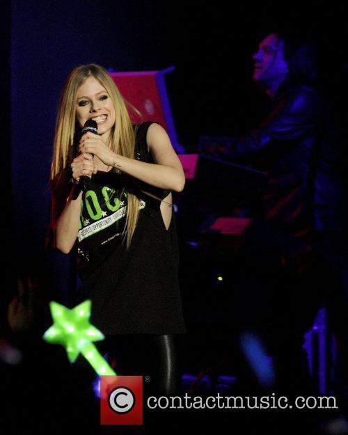 Avril Lavigne 35