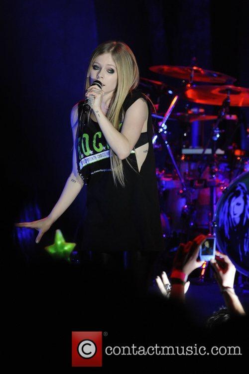 Avril Lavigne 48