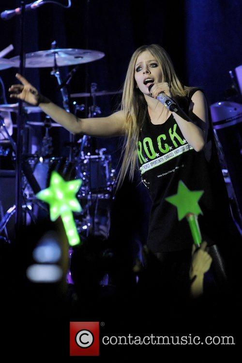Avril Lavigne 25