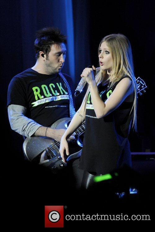 Avril Lavigne 28