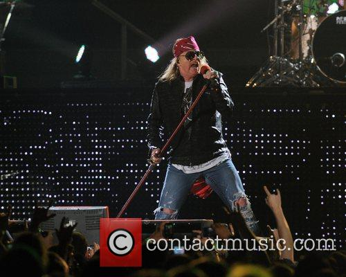 Axl Rose and Guns N Roses 43