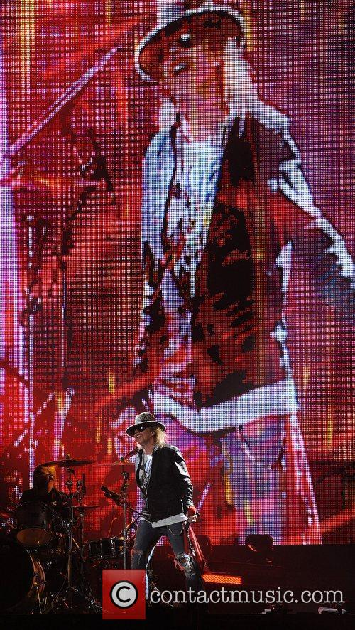 Axl Rose and Guns N Roses 41