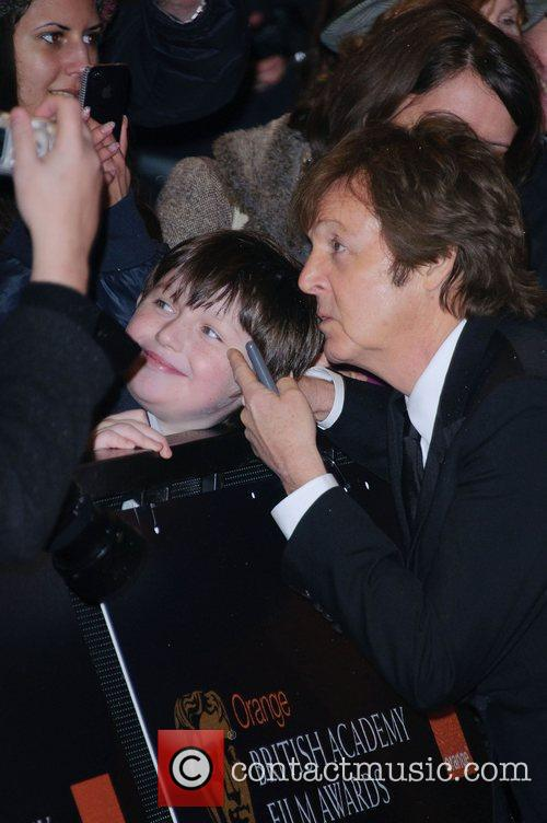 Sir Paul Mccartney and Helena Bonham Carter 3