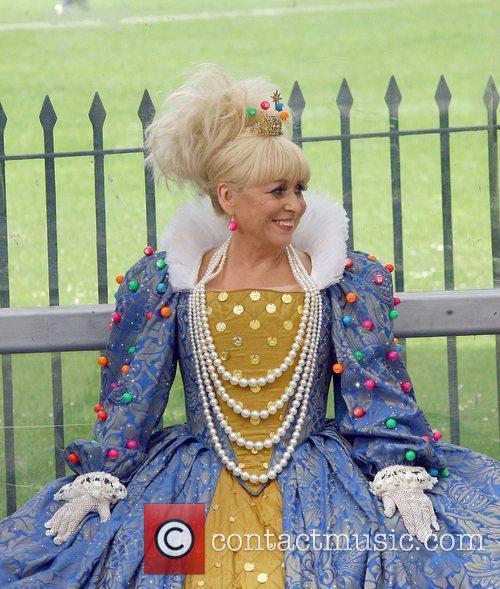 Barbara Windsor films a new advert for Jackpot...