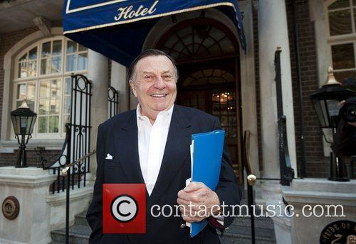 Barry Humphries 3