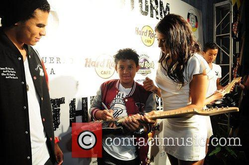 Michael Jackson's niece and nephews Randy Jackson, Jermajesty...