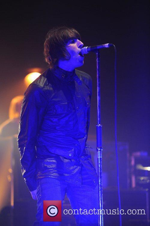Liam Gallagher and Beady Eye 17