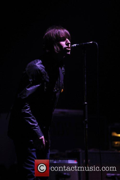 Liam Gallagher and Beady Eye 2