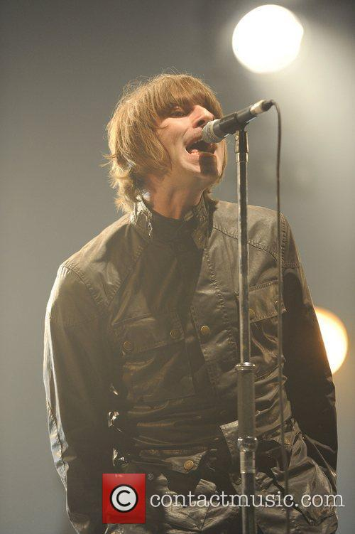 Liam Gallagher and Beady Eye 5