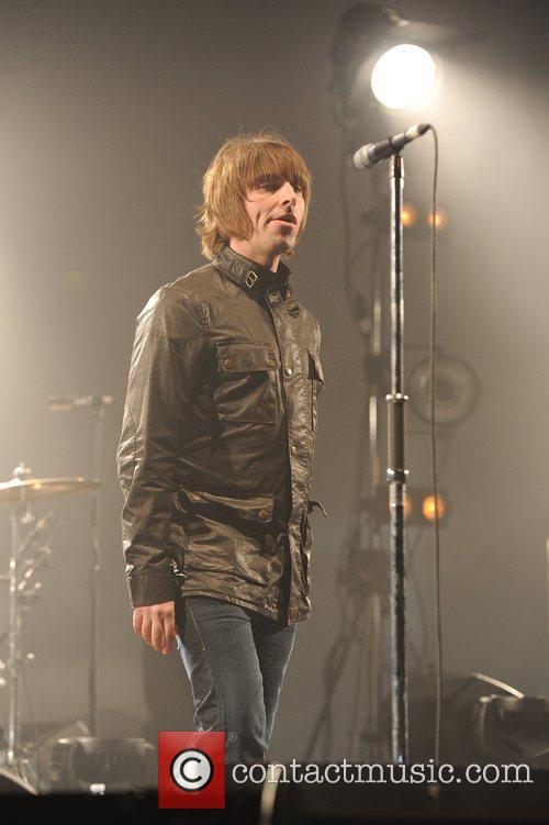 Liam Gallagher and Beady Eye 11