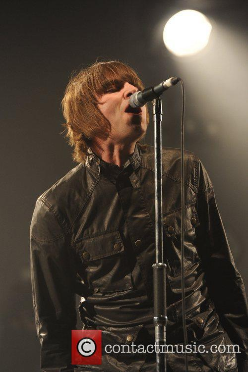 Liam Gallagher and Beady Eye 15