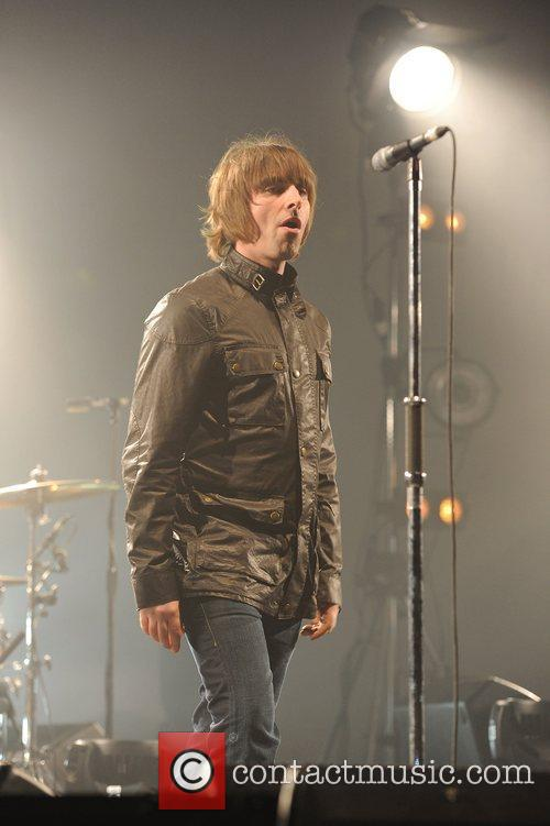 Liam Gallagher and Beady Eye 7