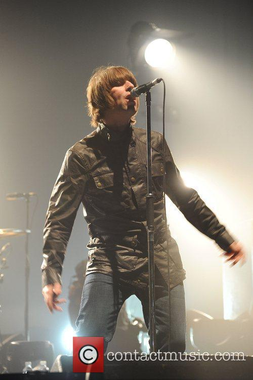 Liam Gallagher and Beady Eye 10