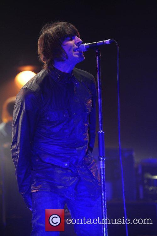 Liam Gallagher and Beady Eye 9