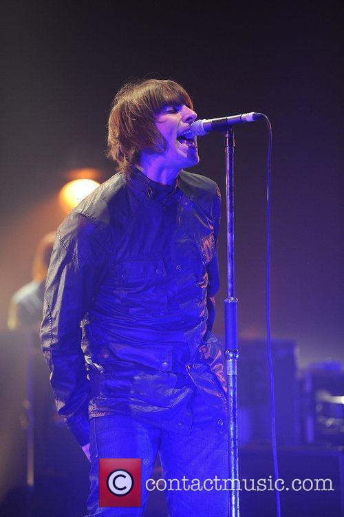 Liam Gallagher and Beady Eye 18