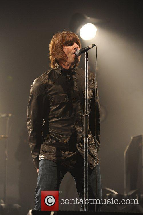Liam Gallagher and Beady Eye 12