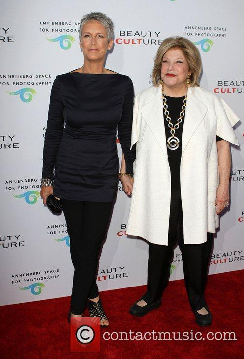 Jamie Lee Curtis and Wallis Annenberg 5