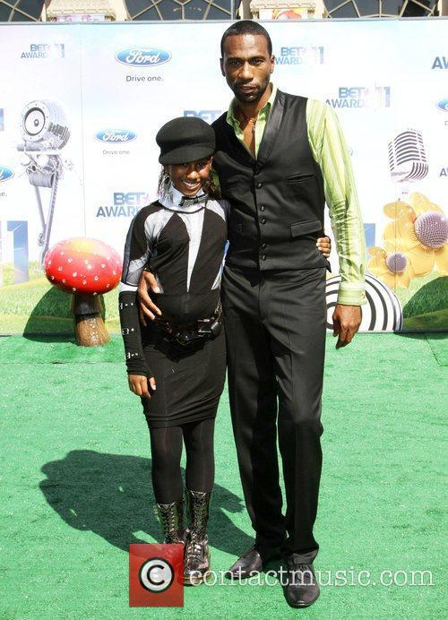 Leon with his daughter BET Awards '11 held...