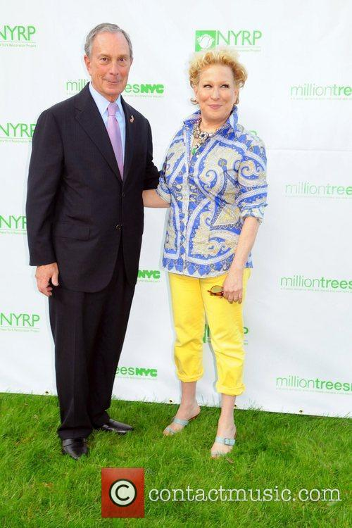 Bette Midler and Mayor Bloomberg 8