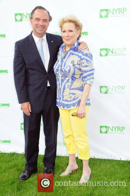 Bette Midler and Mayor Bloomberg 11