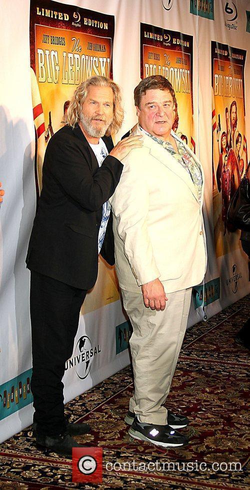 Jeff Bridges and John Goodman 5