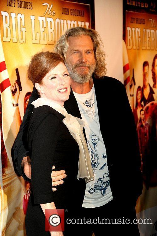 Julianne Moore and Jeff Bridges 8
