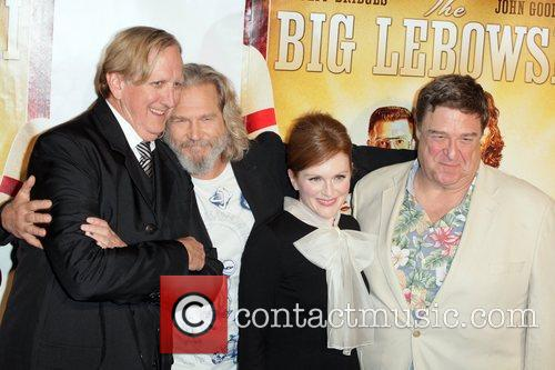 T-bone Burnett, Jeff Bridges, John Goodman and Julianne Moore 1