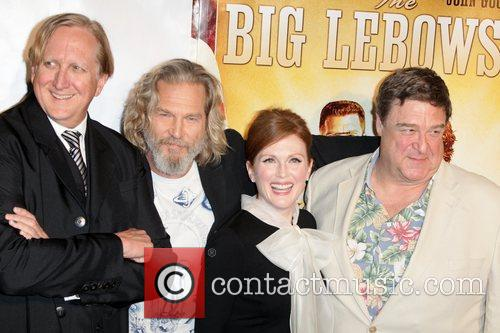 T-bone Burnett, Jeff Bridges, John Goodman and Julianne Moore 8