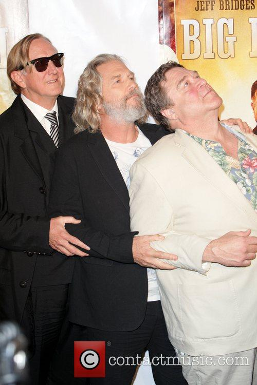 T-bone Burnett, Jeff Bridges and John Goodman 5