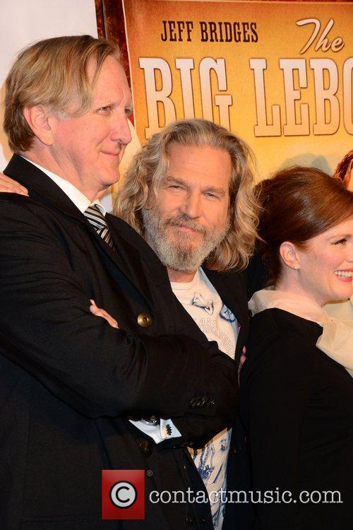 T-bone Burnett, Jeff Bridges and Julianne Moore 1