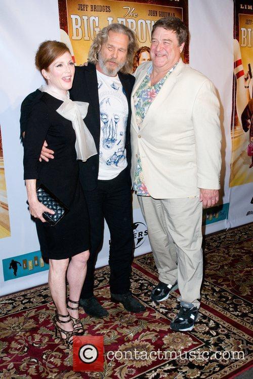 Julianne Moore and John Goodman 4