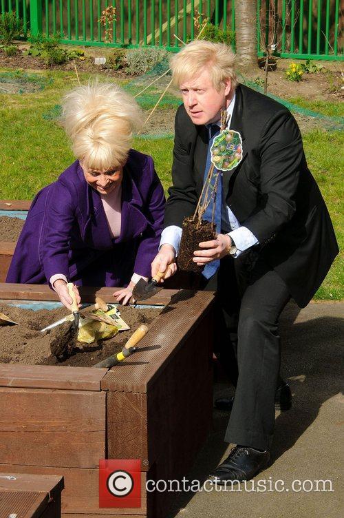 Barbara Windsor and Boris Johnson 14