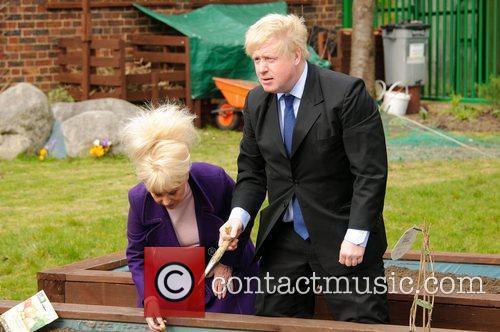 Barbara Windsor and Boris Johnson 12