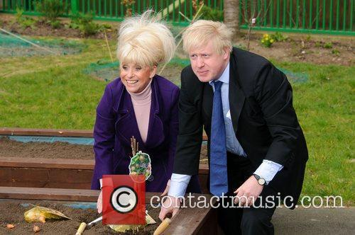 Barbara Windsor and Boris Johnson 4