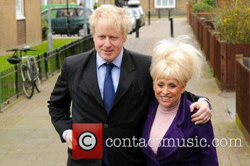 Barbara Windsor and Boris Johnson 7