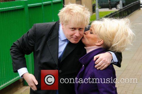 Barbara Windsor and Boris Johnson 16