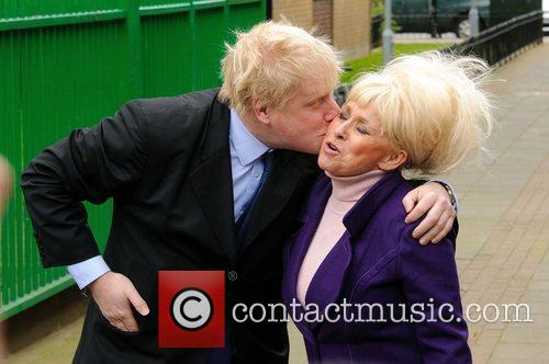 Barbara Windsor and Boris Johnson 6