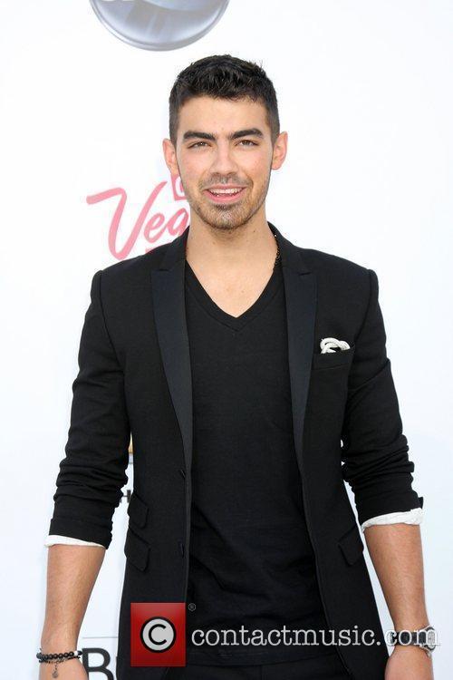 Joe Jonas, Billboard, Las Vegas and Mgm 3