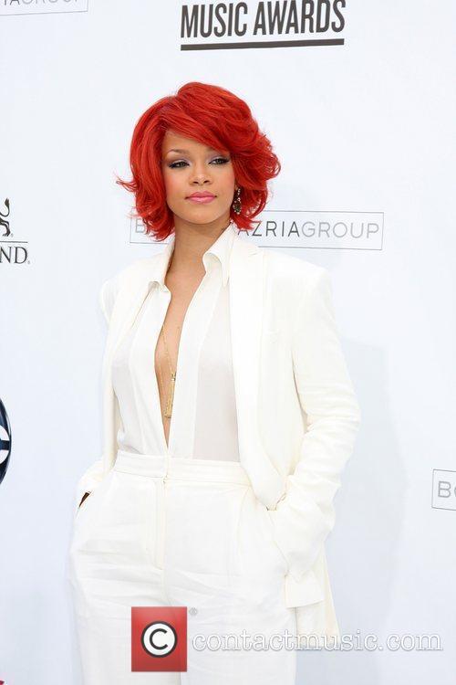 Rihanna, Billboard, Las Vegas and Mgm 4